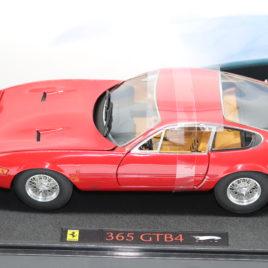 Ferrari 365 gtb/4 hotwheels ELITE (L2980)