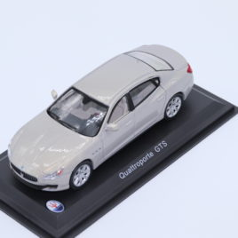 WHITEBOX 1.43 MASERATI Quattroporte GTS  silver metallic