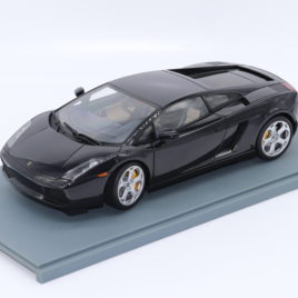 AUTOART 1.18 LAMBORGHINI Gallardo   Black pearl color ( 74572 )