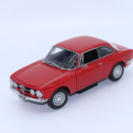 AUTOART 1.18 ALFA ROMEO 1750 GTV   red color ( 70102 )