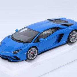 AUTOART 1.18 LAMBORGHINI AVENTADOR S Pearl Blue color ( 79134 )