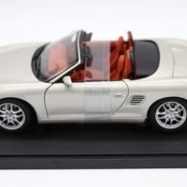 1.18 AUTOART PORSCHE BOXSTER S 986 CABRIOLET FACELIFT Siliver color ( 77882 )
