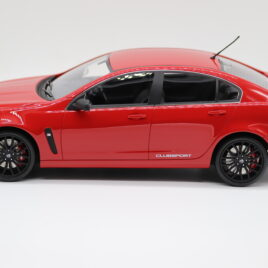 APEX 1.18 HOLDEN HSV GEN-F CLUBSPORT R8  Sting red color  ( AR81601 )
