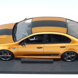 APEX 1.18 FORD FPV GT-F  Falcon VICTORY GOLD COLOUR WITH BLACK STRIPES  ( AR80607 )